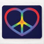 Corazón del arco iris, amor, signo de la paz tapete de ratones
