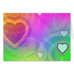 corazón del arco iris con rosa tarjeton