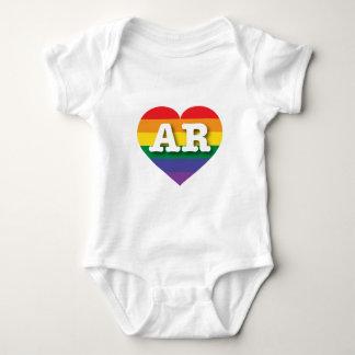 Corazón del arco iris del orgullo gay de Arkansas Remeras