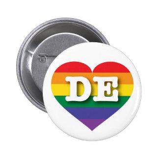 Corazón del arco iris del orgullo gay de Delaware Pin Redondo De 2 Pulgadas