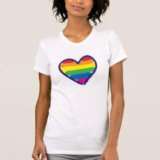 Corazón del arco iris del orgullo gay playera
