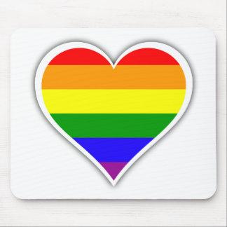 Corazón del arco iris del orgullo gay alfombrillas de ratón