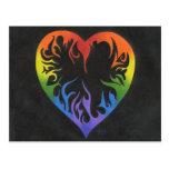 Corazón del arco iris tarjeta postal