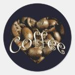 Corazón del café pegatina redonda