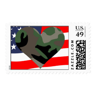Corazón del camuflaje y sello de la bandera