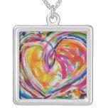 Corazón del collar de la alegría