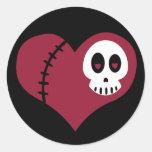 Corazón del cráneo etiqueta redonda