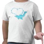 Corazón del delfín camiseta