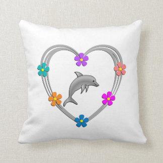 Corazón del delfín cojín