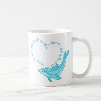 Corazón del delfín taza