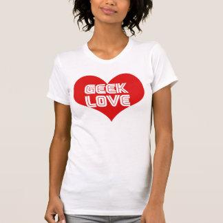 Corazón del día de San Valentín del amor del friki Camiseta
