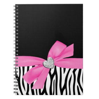 Corazón del diamante del arco del rosa de la cebra cuaderno