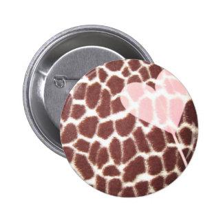 Corazón del estampado de girafa pin redondo 5 cm