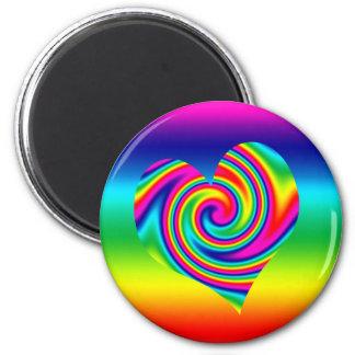 Corazón del giro del arco iris imán de nevera