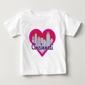 Corazón del horizonte de Cincinnati T Shirt