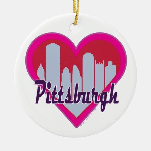 Corazón del horizonte de Pittsburgh Adorno Navideño Redondo De Cerámica