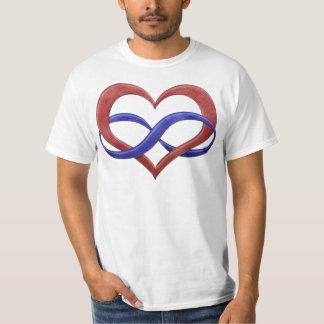 Corazón del infinito del orgullo de Polyamorous Playeras