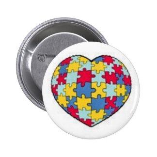 Corazón del pedazo del rompecabezas del autismo pin redondo 5 cm