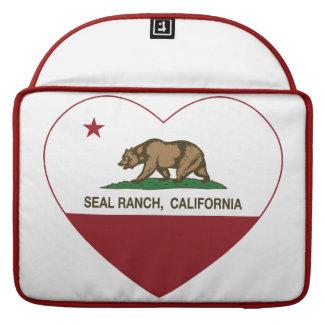 corazón del rancho del sello de la bandera de Cali Fundas Para Macbooks
