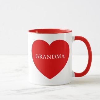 Corazón del rojo de la abuela taza