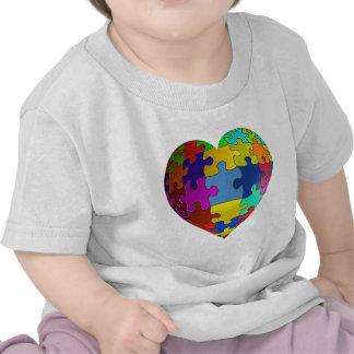 Corazón del rompecabezas de la conciencia del auti camiseta