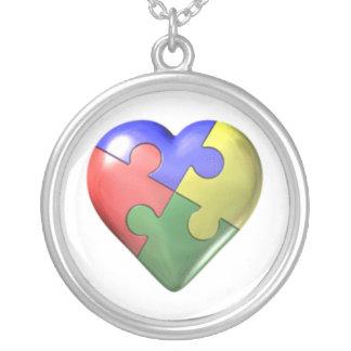 Corazón del rompecabezas del autismo colgante redondo