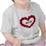 Corazón del rosa rojo camiseta