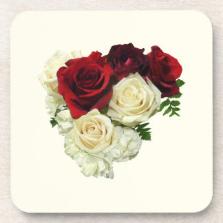 Corazón del rosa rojo y blanco posavaso