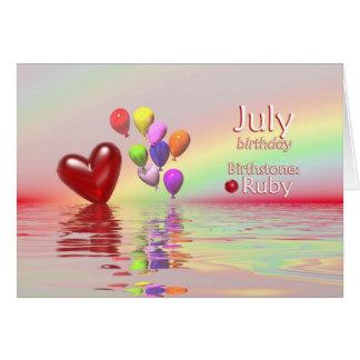 Corazón del rubí del cumpleaños de julio felicitacion