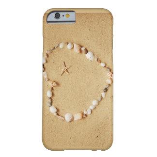 Corazón del Seashell con las estrellas de mar Funda De iPhone 6 Barely There