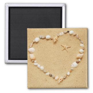 Corazón del Seashell con las estrellas de mar Imán Cuadrado
