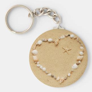 Corazón del Seashell con las estrellas de mar Llavero Redondo Tipo Pin
