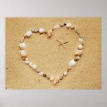 Corazón del Seashell con las estrellas de mar Posters
