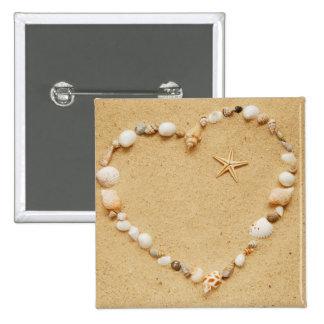Corazón del Seashell con las estrellas de mar Pin