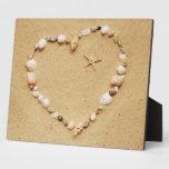 Corazón del Seashell con las estrellas de mar Placas Con Foto