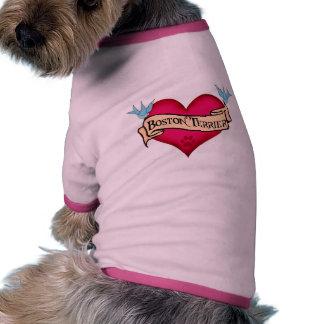 Corazón del tatuaje de Boston Terrier Camisetas Mascota