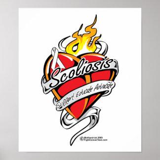 Corazón del tatuaje de la escoliosis poster