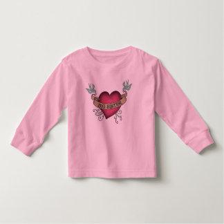 Corazón del tatuaje de la hermana grande tee shirts