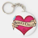 Corazón del tatuaje del border collie llaveros personalizados