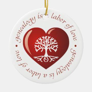 Corazón del trabajo de amor adorno navideño redondo de cerámica