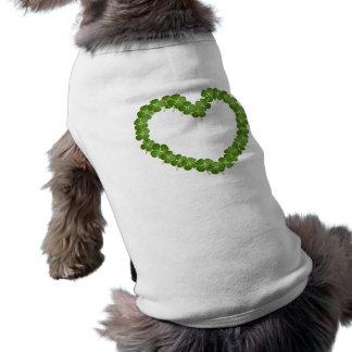Corazón del trébol del trébol de cuatro hojas camisa de mascota