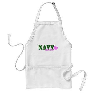 Corazón del verde de la sobrina de la marina de delantal