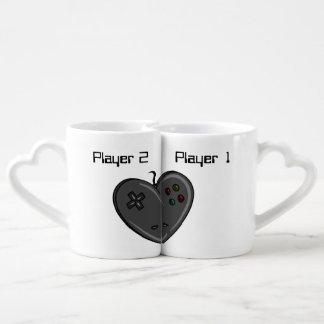 Corazón del videojugador de los pares del jugador  taza para enamorados