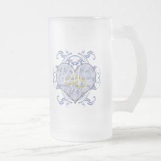Corazón del voto de boda del monograma taza cristal mate