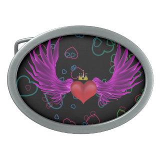 Corazón del vuelo del tatuaje con la hebilla del c hebilla cinturon