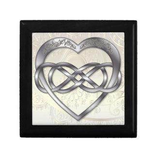 Corazón doble 2 de la plata del infinito - caja de joyero cuadrado pequeño