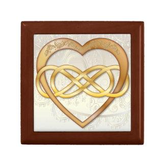 Corazón doble 2 del oro del infinito - caja de joyero cuadrado pequeño