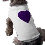 Corazón en colores púrpuras. Diseño modelado del c Camiseta De Perrito