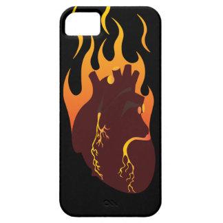 Corazón en el fuego funda para iPhone 5 barely there