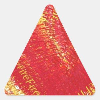 ¡Corazón en el fuego! Pegatina Triangular